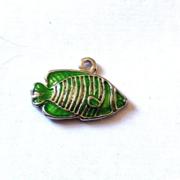 1 Breloque poisson vert - métal & émail - 20x14mm - b95 - Photo n°1