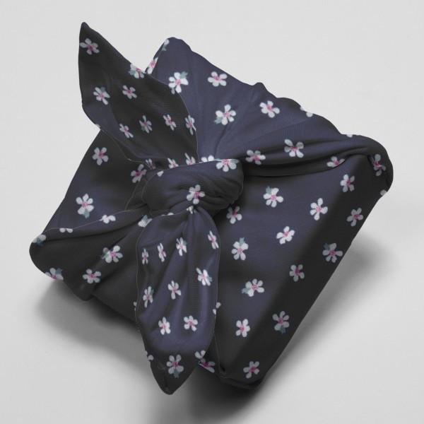 Tissu Popeline de coton - Fleurs blanches - Vendu par 10 cm - Photo n°4