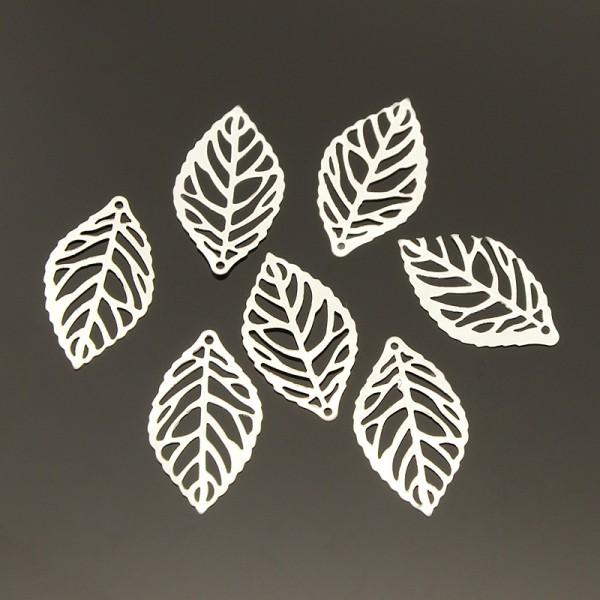 Pendentif estampe filigrane feuille 23 mm argenté x 10 - Photo n°1