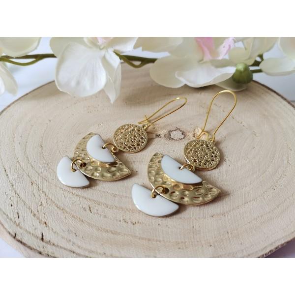 Kit boucles d'oreilles pendentif demi rond métal doré et émail blanc - Photo n°2