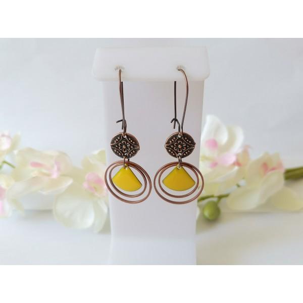 Kit boucles d'oreilles anneaux cuivre rouge et sequins émail jaune moutarde - Photo n°1