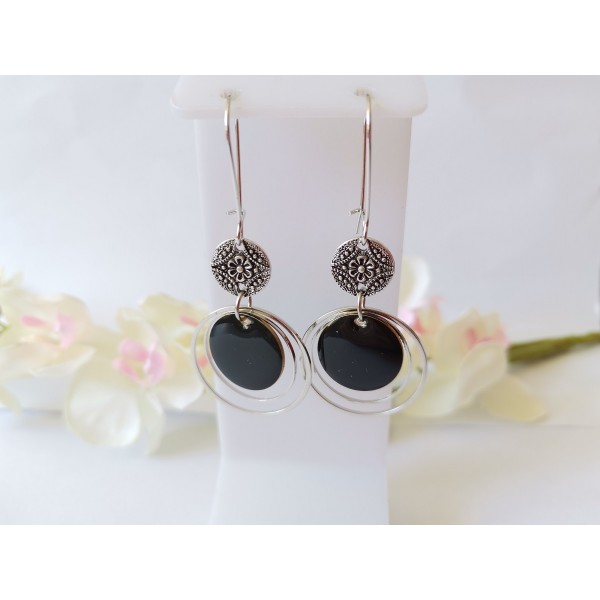 Kit boucles d'oreilles anneaux connecteurs et sequin émail noir - Photo n°1
