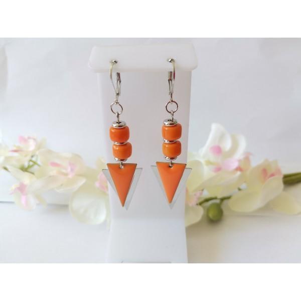 Kit boucles d'oreilles pendentif triangle et perles en verre orange - Photo n°1