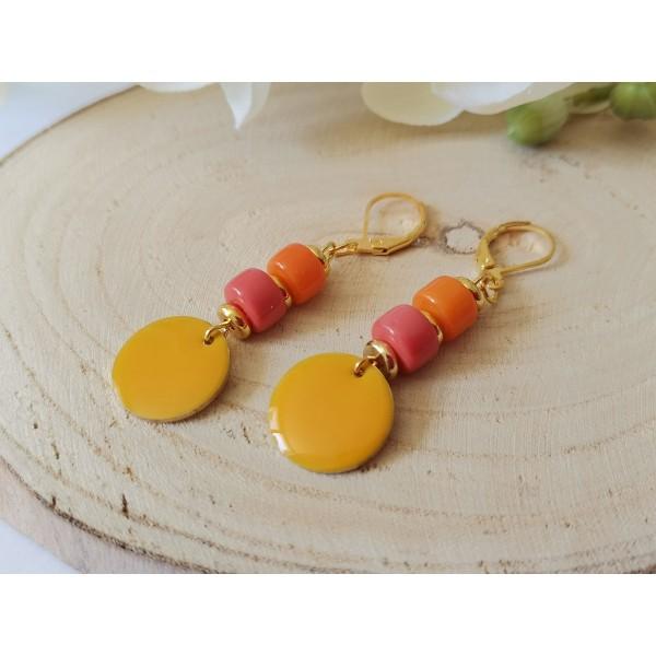 Kit boucles d'oreilles sequin émail orange et perles en verre colonne bicolore - Photo n°2