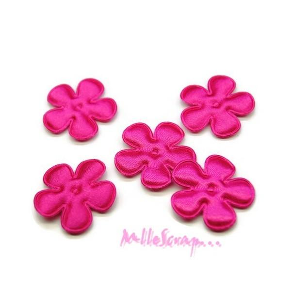 Petites fleurs tissu satin rose foncé - 5 pièces - Photo n°1