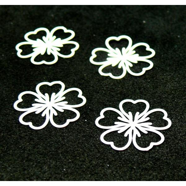 AE1112177 Lot de 5 Estampes pendentif filigrane Fleur 17mm coloris Blanc - Photo n°1