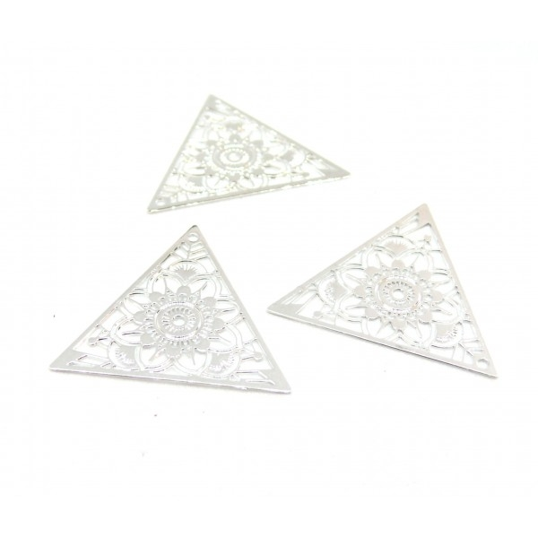 AE1111967 Lot de 4 Estampes pendentif connecteur filigrane Triangle 28mm coloris Argent Vif - Photo n°1