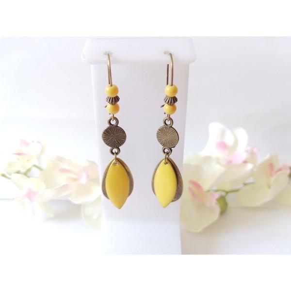 Kit boucles d'oreilles pendentifs bronzes et sequin émail jaune - Photo n°1