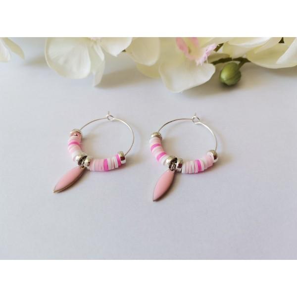 Kit boucles d'oreilles créoles et perles Heishi blanches et roses - Photo n°2