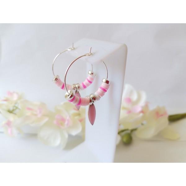 Kit boucles d'oreilles créoles et perles Heishi blanches et roses - Photo n°1