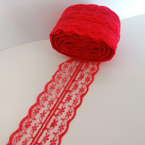 Neuf mètres de ruban dentelle rouge - Photo n°1