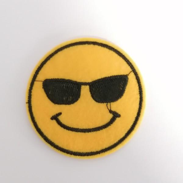 Un thermocollant smiley lunette de soleil - Photo n°1
