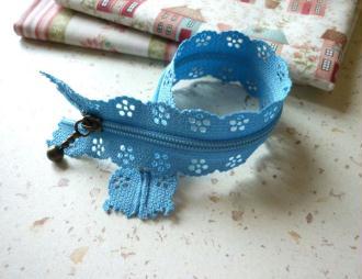 Fermeture éclair  bleu clair dentelle - non séparable - longueur zip = 20 cm