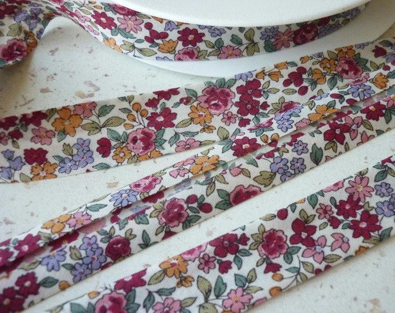 Biais 20 mm liberty fleuri fuchsia parme ocre rose voile de coton japon au m tre biais - Voile de forcage au metre ...