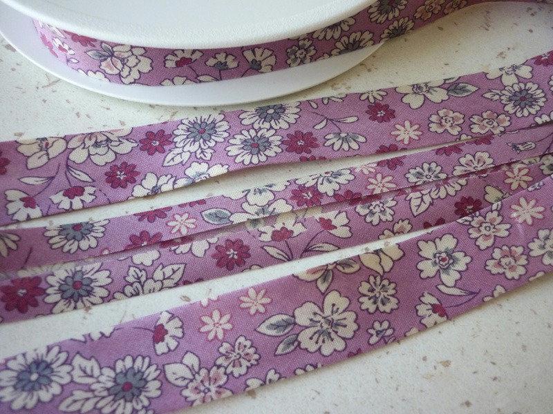 Biais 20 mm liberty fleuri vieux rose en voile coton fin - Voile de forcage au metre ...