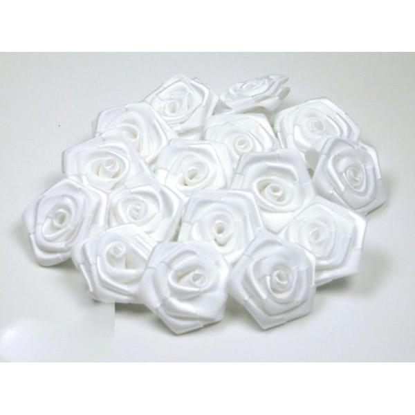Sachet de 10 roses satin de 3 cm de diametre blanc 029 - Photo n°1