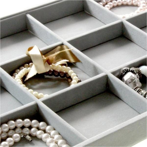 Porte bijoux plateau bijoux à 12 compartiments en velours Gris clair - Photo n°2