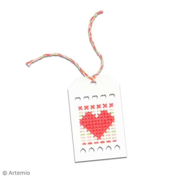 Etiquettes calendrier de l'Avent à broder Noël Home sweet Home - 5 x 8 cm - 24 pcs - Photo n°3