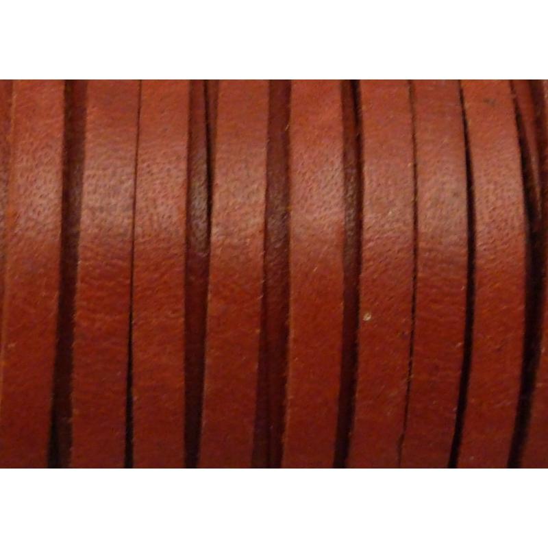1m cuir carr 3 3mm de couleur rouge grenat cuir ficelle cuir creavea. Black Bedroom Furniture Sets. Home Design Ideas