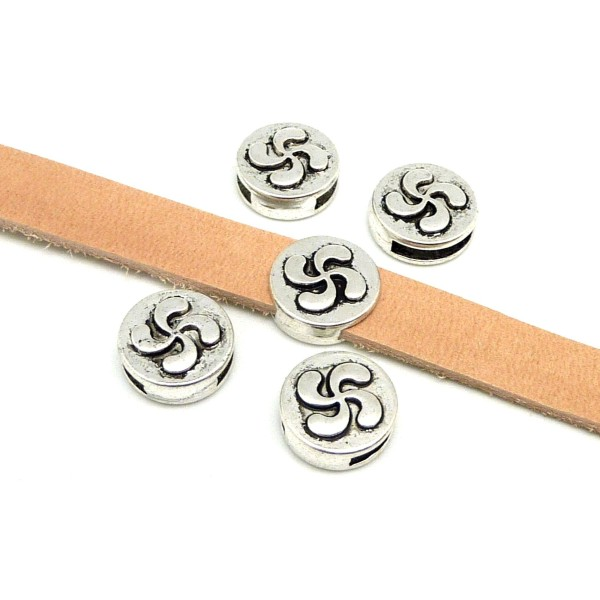 5 Perles Passant Croix Basque Pour Lanière Cuir 10mm En Métal Argenté Gravé - Photo n°1