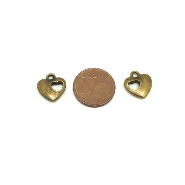 10 Breloques Coeur Légèrement Bombé Ajouré D'un Coeur En Métal De Couleur Bronze 12,2mm - Photo n°2