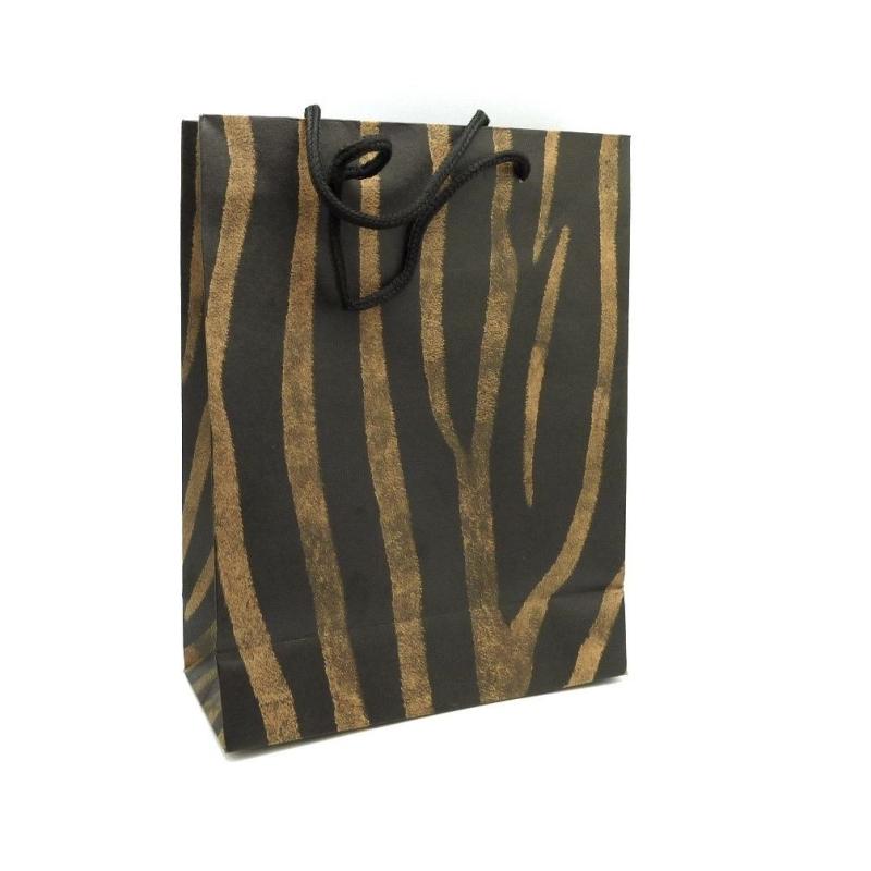 pochette cadeaux 24 5 x 19cm motif z bre afrique en papier pais de couleur noir et marron. Black Bedroom Furniture Sets. Home Design Ideas