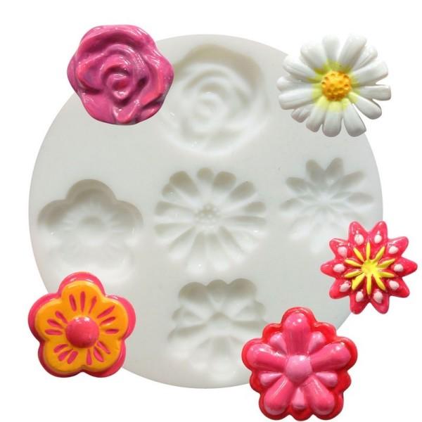 Moule en silicone 5 motifs miniature florales, Fleurs, Pâquerette, Rose. Rond de 7cm extra flexible - Photo n°1