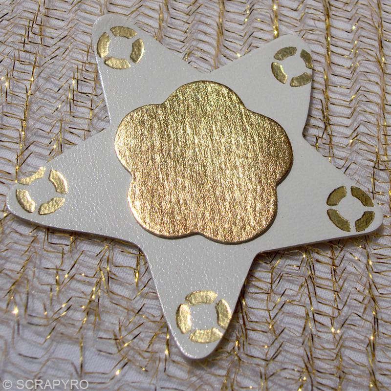 Etoile en cuir Blanc et marron 6 cm et 3 cm - Lot de 8 - Photo n°3