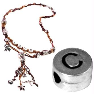 Perle alphabet C en métal