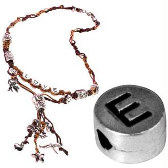 Perle alphabet E en métal