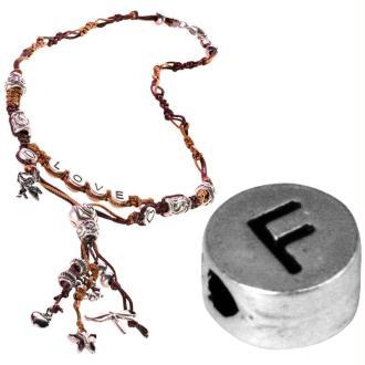 Perle alphabet F en métal