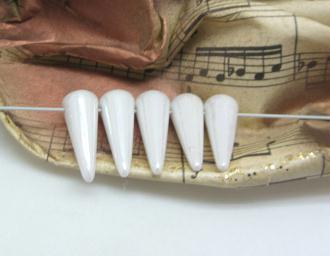 10 Perles Tchèques Spikes  Blanc Nacré - 5*13 mm