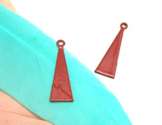 Lot de 2 Breloques Long Triangle Rouge Métal - 17*5 mm