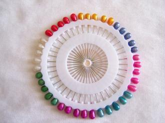 Lot de 40 épingles multicolores