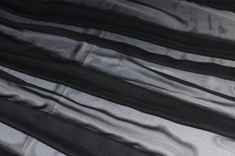 Tissu mousseline polyester fluide noir coupe par for Art et cuisine chaudron line