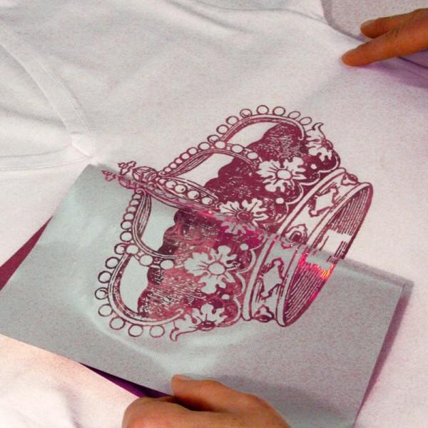 Papier transfert textile métallisé My Style Rouge, bleu et lilas 21 x 29,7 cm - 3 feuilles - Photo n°2