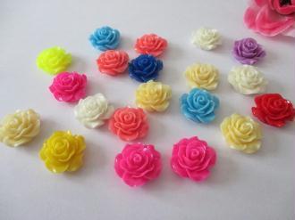 Lot de 20 cabochons résine fleur 20 mm