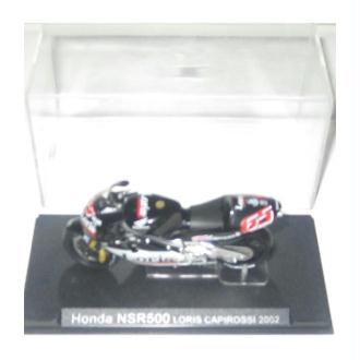 1 Coffret collector-11 - Honda NSR 500 Capirossi 2002
