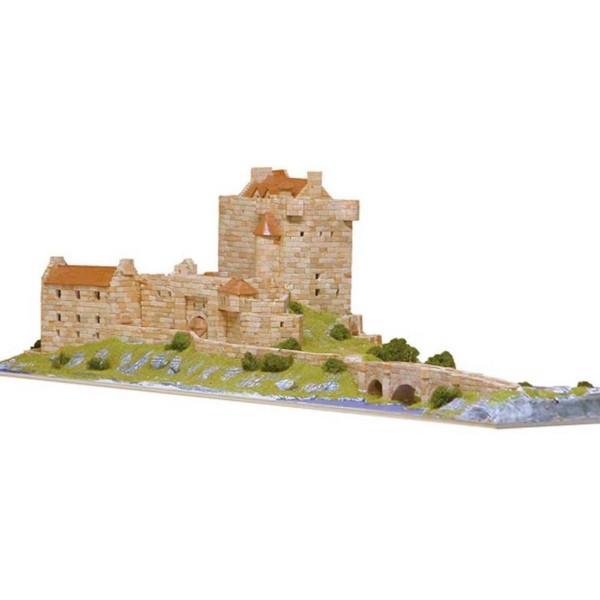 Chateau Loch Donan (Ecosse) - Ech 1/220 - 5800 pcs - 90 x 34 x 23 cm - Dif 8/10 Aedes - Photo n°1