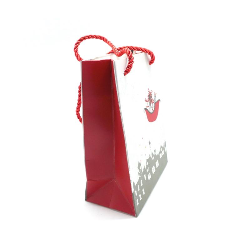pochette cadeaux papier cartonn glac motif no l renne traineau gris argent rouge et blanc. Black Bedroom Furniture Sets. Home Design Ideas