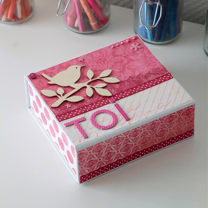 bo te en carton d corer 16 x 14 x 6 cm boite en carton d corer creavea. Black Bedroom Furniture Sets. Home Design Ideas