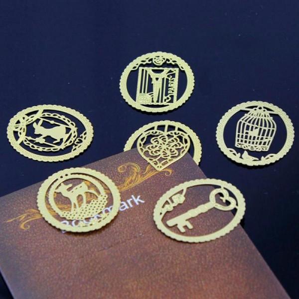 Marque pages en métal doré coeur - Photo n°1