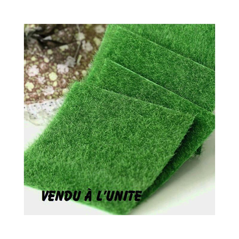 miniature en synthetique carr de pelouse verte 15 cm 15 cm formes en r sine creavea. Black Bedroom Furniture Sets. Home Design Ideas
