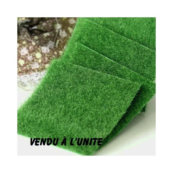 MINIATURE EN SYNTHETIQUE : carré de pelouse verte 15 cm*15 cm - Photo n°1