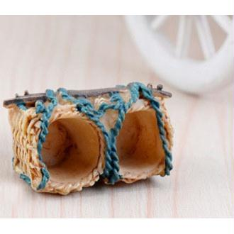 MINIATURE EN RESINE : double panier creme/bleu