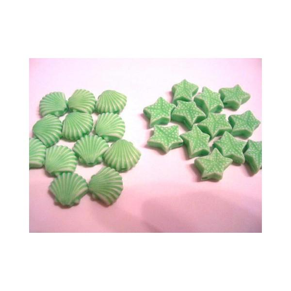 LOT DE 24 PERLES PLASTIQUES : coquille et etoile vert 10mm - Photo n°1