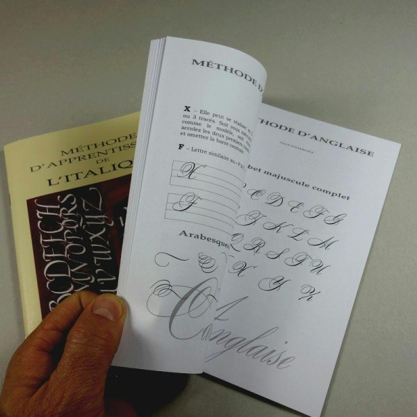 Coffret de calligraphie latine - Photo n°2