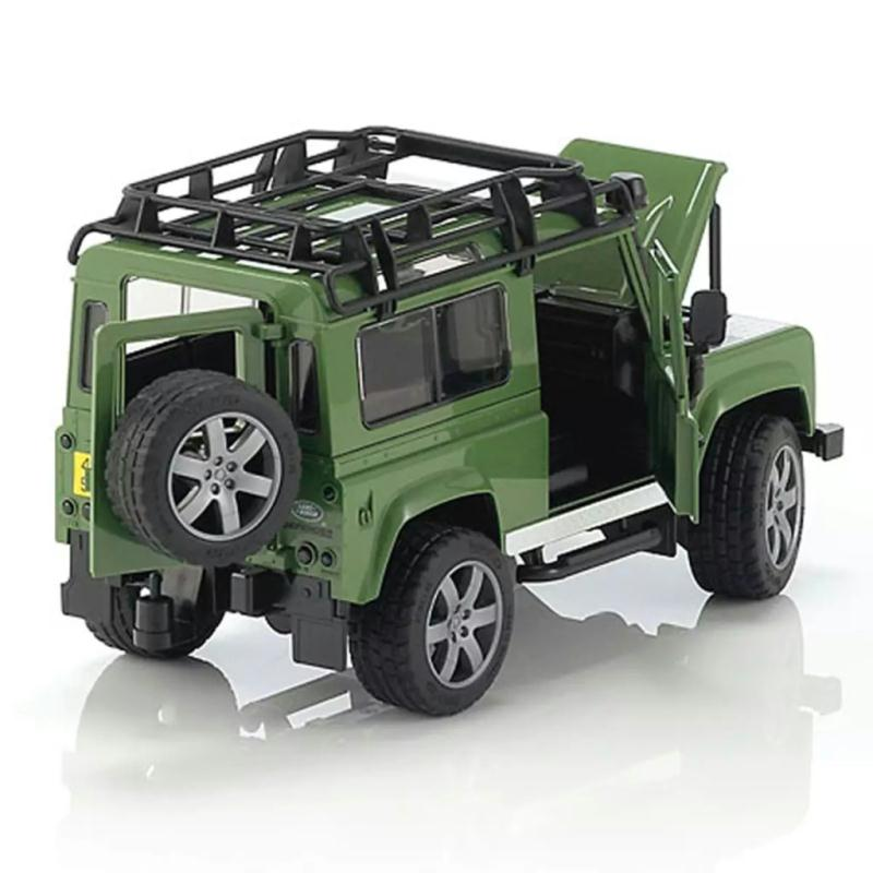 bruder v hicule tout terrain land rover defender 1 16 jouets mixtes creavea. Black Bedroom Furniture Sets. Home Design Ideas