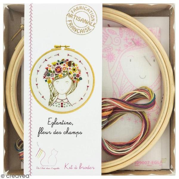 Kit broderie - Eglantine, fleur des champs - Photo n°1