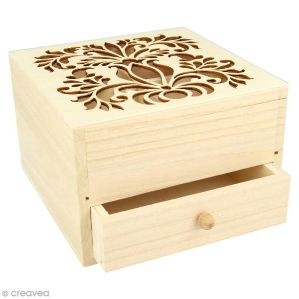 Boîte à bijoux en bois - Motif arabesque ajouré - 16 x 16 x 10 cm environ - Photo n°1